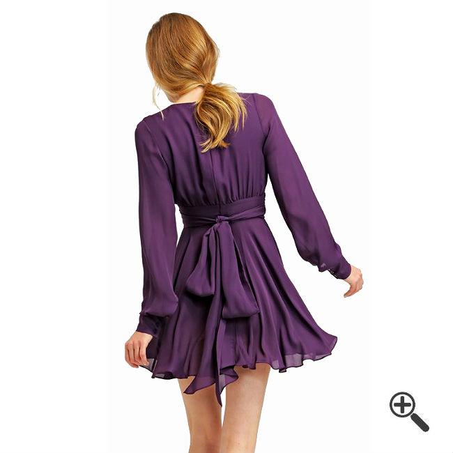 lila kleid mit tiefen ausschnitt kleider bis zu 87 g nstiger online kaufen. Black Bedroom Furniture Sets. Home Design Ideas